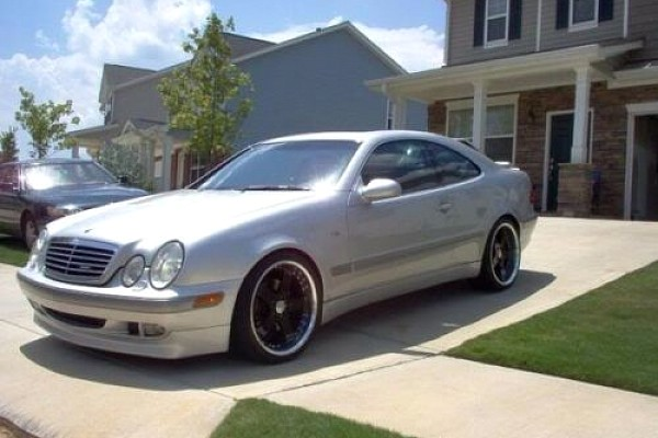 Picture of a Mercedes Benz 97 CL Class W208 BB Style Side Skirts Body kit