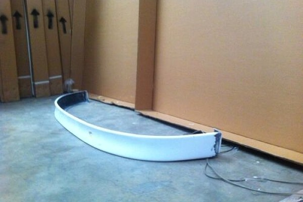 Picture of a Mercedes Benz 97 V Class W638 BB Style Front Lip Spoiler Body kit